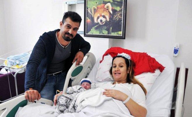09.05'te Dünyaya Gelen Bebeğe 'Poyraz Ata' Adı Verildi