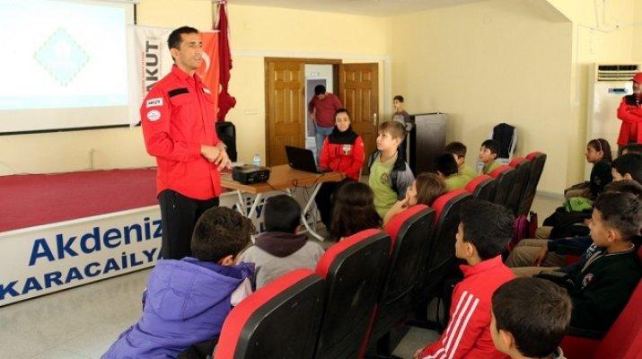 Akdeniz Belediyesi'nden Çocuklara Deprem Eğitimi