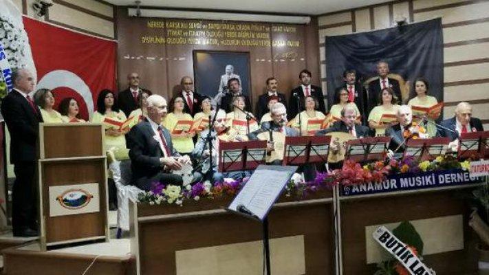 Atatürk'ün Sevdiği Şarkılar Büyüledi