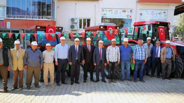 Devlet Destekli Satılan 6 Traktör Sahiplerine Teslim Edildi
