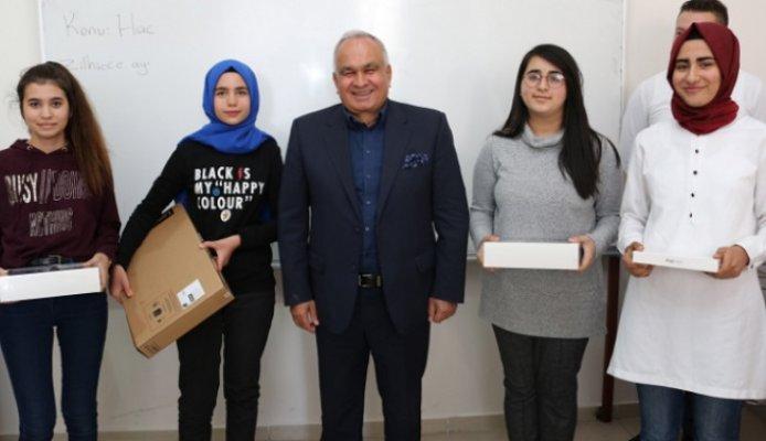 Erdemli Belediyesi'nin Eğitim Desteği Sürüyor