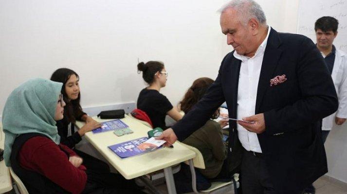 Erdemli'de Öğrencilere Ücretsiz İnteraktif Eğitim