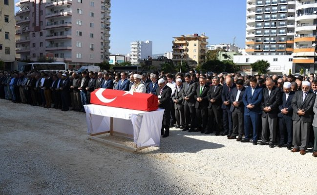 Eski Ak Parti Milletvekili Bozkurt Toprağa Verildi