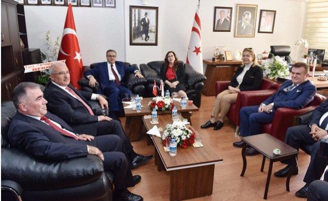 Saliha Adıcan, KKTC'nin Kuruluş Yıldönümü Kutladı.