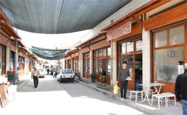 Tarsus'ta Tarihi Ticaret Merkezi İnşaatı Devam Ediyor
