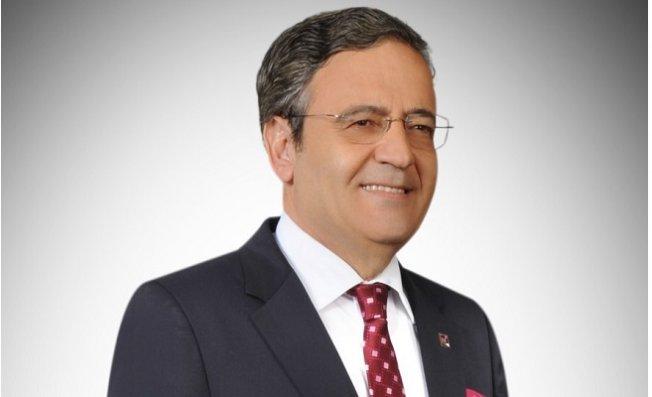 Ahmet Akın Kendisine Sosyal Medyadan Hakaret Eden Kişi Şartlı Affetti.