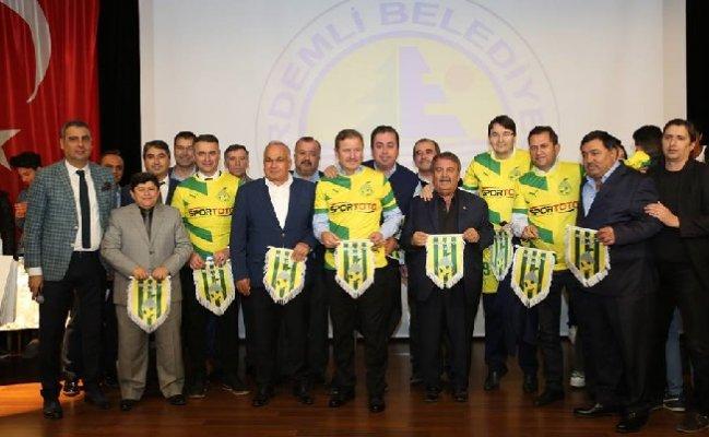 'Futbol'un Mutfağındakiler' Erdemli'de Buluştu