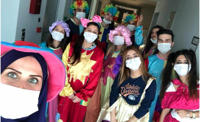 Palyaçolar Yılbaşında Hastanede