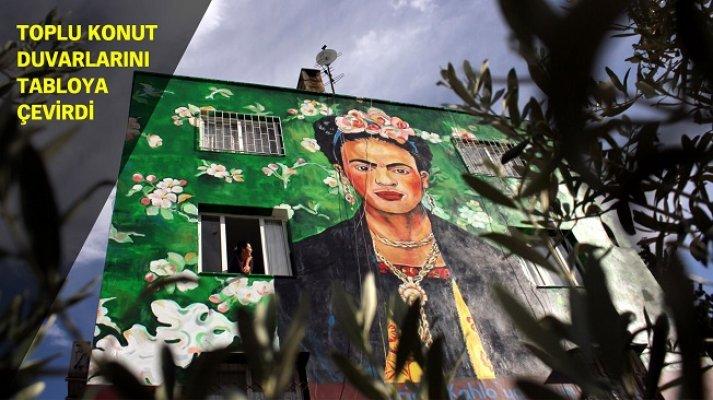 Mersin'de Bir Ressam Binaları Ünlü Ressamların Tablolarıyla Kapladı