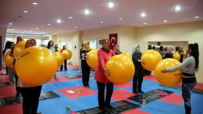 Sağlıklı Yaşam İsteyen Kadınlara Spor Eğitimi