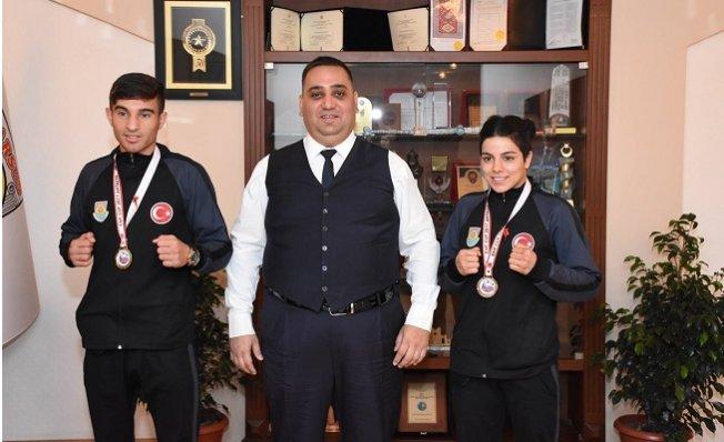 Şampiyon Sporcular Madalya ile Döndü