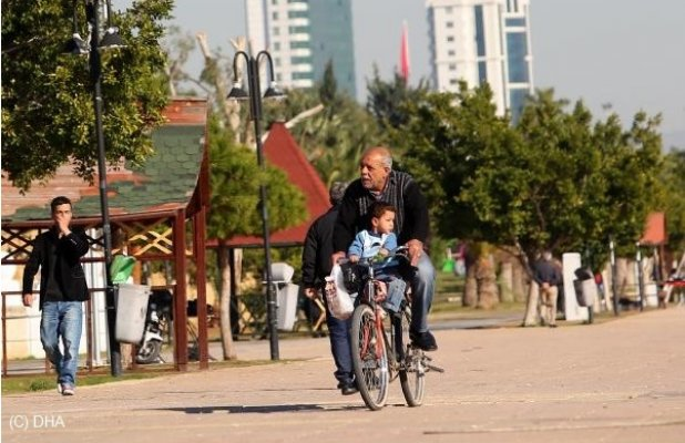 Türkiye Kışı Yaşarken Mersin'de Bahar Havası