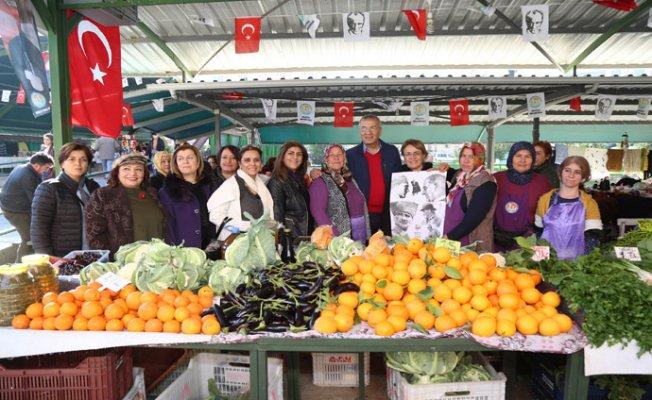 CHP Kadın Kolları Genel Başkanı Mezitli'de Üretici Kadın Pazarını Ziyaret Etti.