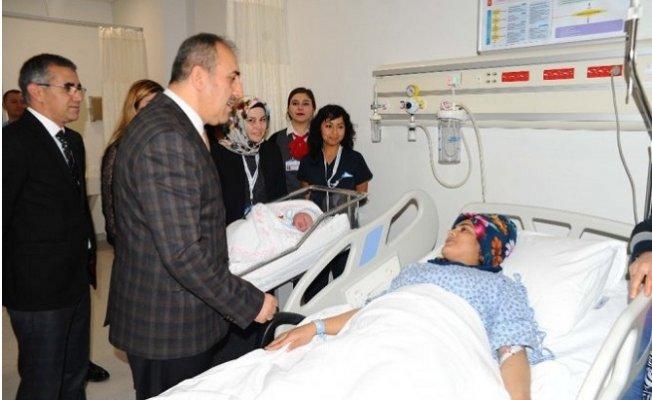 Mersin'nde Yılın İlk Bebeği Mehmet Emin