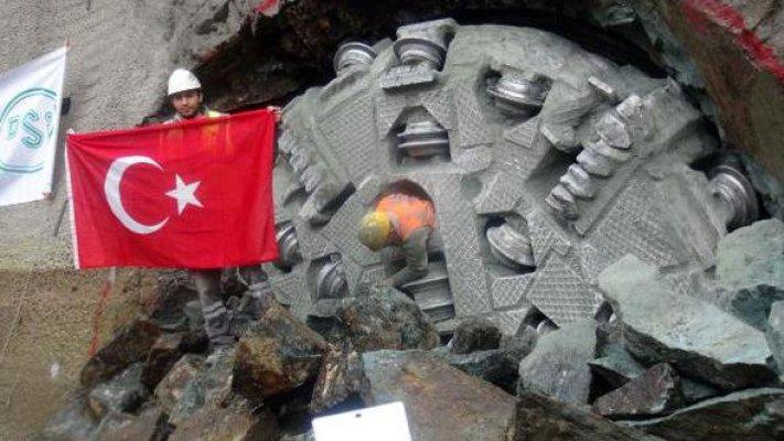 Pamukluk Barajı İletim Tüneli Törenle Açıldı