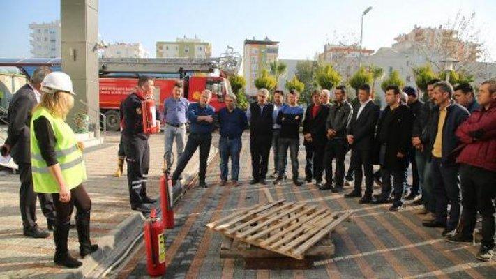 Belediye Çalışanlarına Yangın Eğitimi