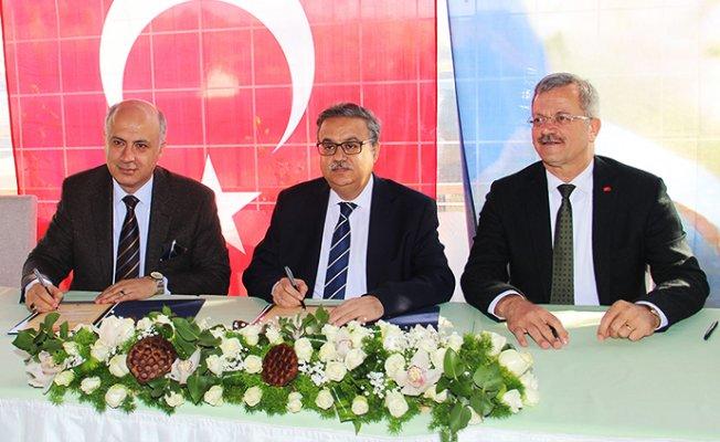 MTOSB ile Mersin Üniversitesi İş Birliği Protokolü İmzalandı.