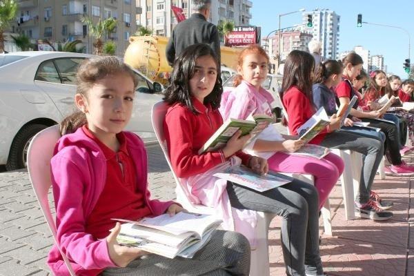 Karayolu'nda Okuma Etkinliği