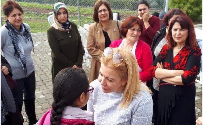 Saliha Adıcan 8 Mart Dünya Kadınlar Gününü Kutladı.