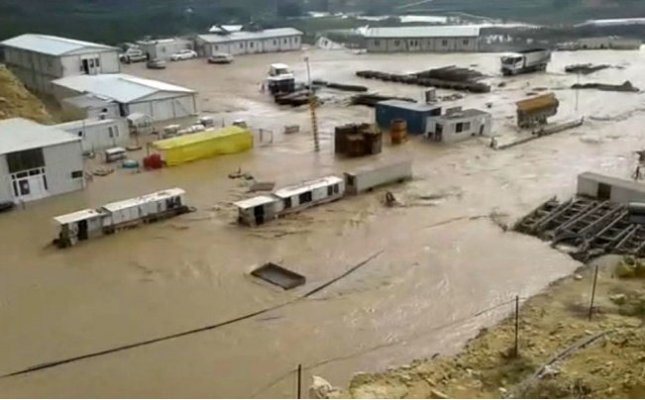 Tarsus'ta Sel Zarara Yol Açtı