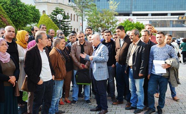 Akdeniz Belediyesi'nde İşçilerin Umutsuz Bekleyişi
