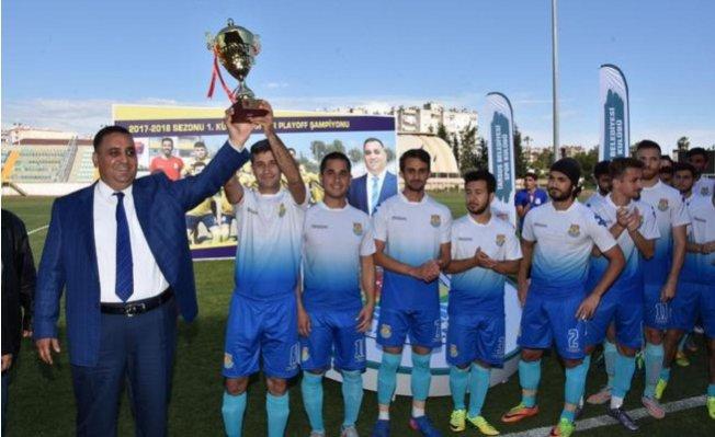 Şampiyon Tarsus Belediyespor Kupasını Aldı