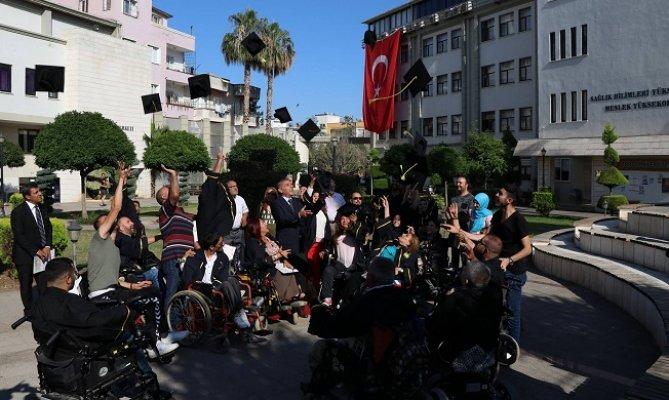 Engelliler Toros Üniversitesi'nde Kep Attı