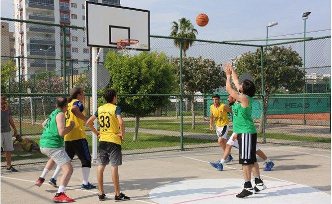 Erdemli'de Sokak Basketbolu Turnuvası Düzenlendi