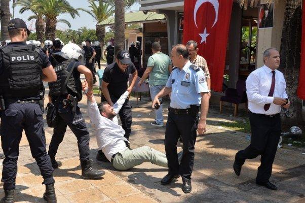 Mersin' Atatürk Parkında Olaylı Yıkım