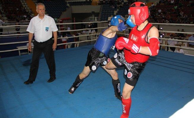 Muay Tahi Türkiye Şampiyonası Mersin'de Başladı