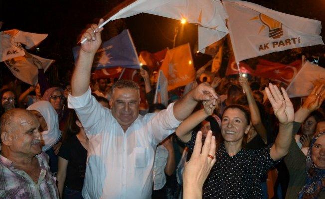 Bozyazı'da AK Parti'nin Zaferi Coşkuyla Kutlandı