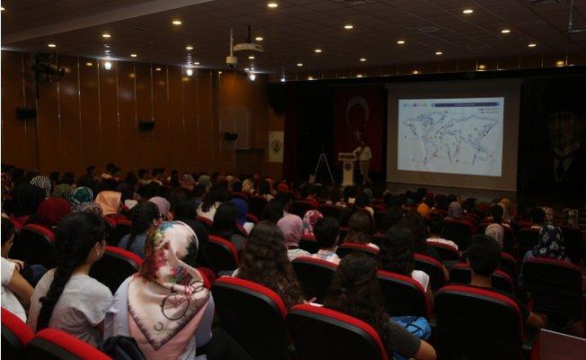 Erdemli Belediyesi, Öğrencileri YKS'ya Hazırladı