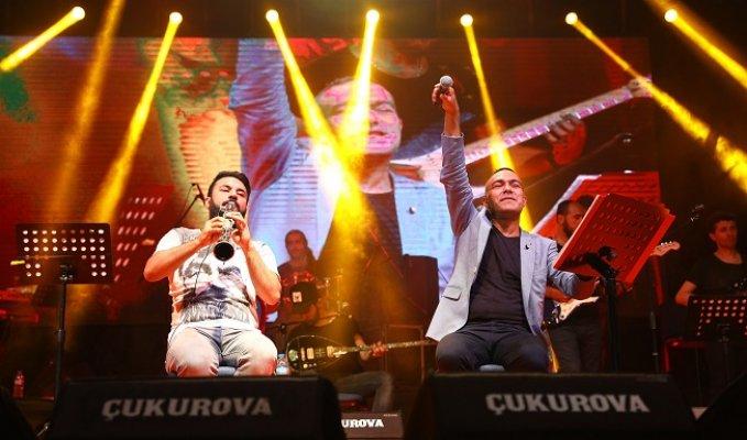 Mersin'de Mümin Sarıkaya Konseri