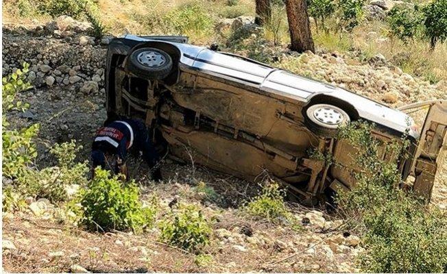 Mersin'de Otomobil Uçuruma Yuvarlandı: 1 Ölü