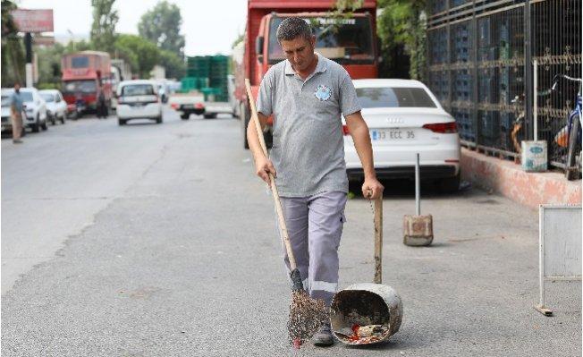 Belediye Temizlik İşçisinden Örnek Davranış