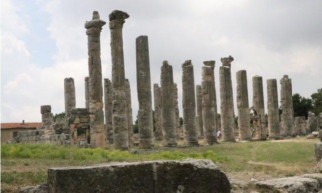 Doğu Akdeniz'in 'Efes'i Ziyaretçilerini Bekliyor