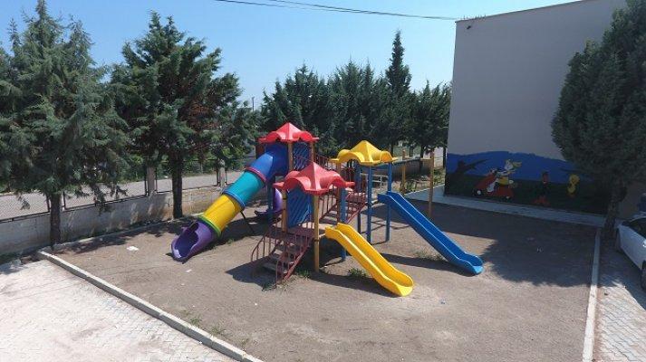 Erdemli Belediyesi Okulların Bakımını Gerçekleştirdi