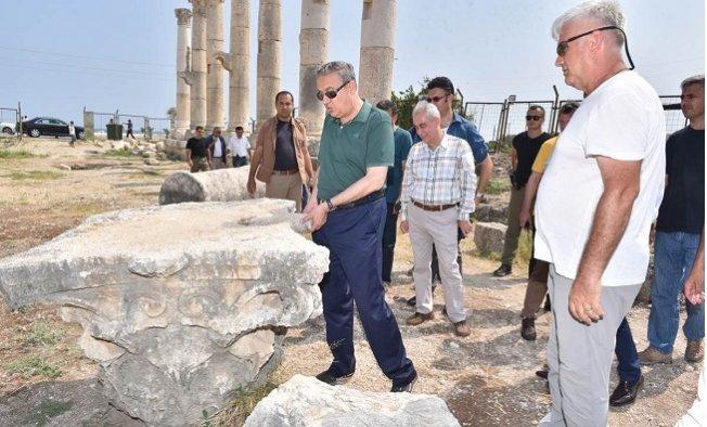 Vali Su, Antik Alanları İnceledi