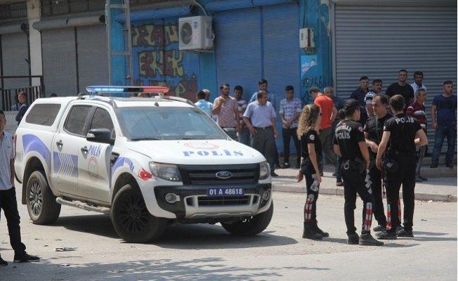 Adana'da Sokak Ortasında Çatışma: 1'i Çocuk 3 Yaralı