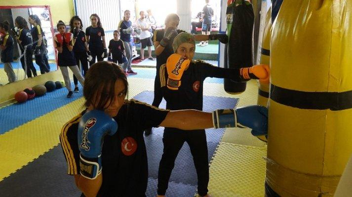 Bodrum Katında Çalışan Sporcular Avrupa Şampiyonu Olmak İstiyor