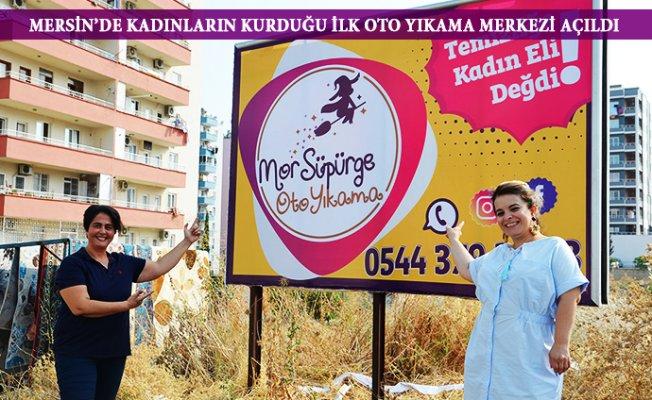Mersin'de Kadınlar Oto Yıkama İşine El Attı