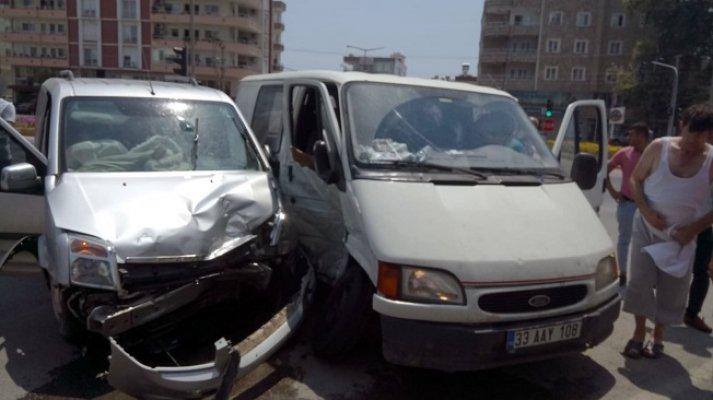 Mersin'de Kaza: 4 Kişi Yaralı
