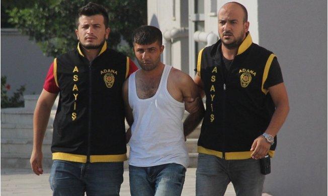 Polis Pamuk Şekeri Satıcısı Oldu Hırsızı Yakaladı