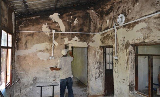 Akdeniz Belediyesi'nden Evi Yanan Aileye Yardım