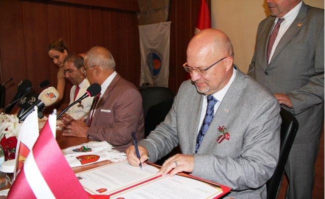 Çamlıyayla ile Valka Arasında 'Kardeş Şehir' Protokolü İmzalandı