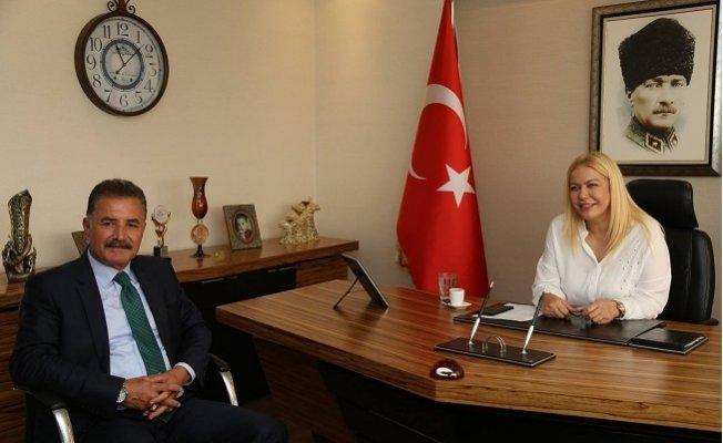 Hamit Tuna'dan Saliha Adıcan'a Ziyaret