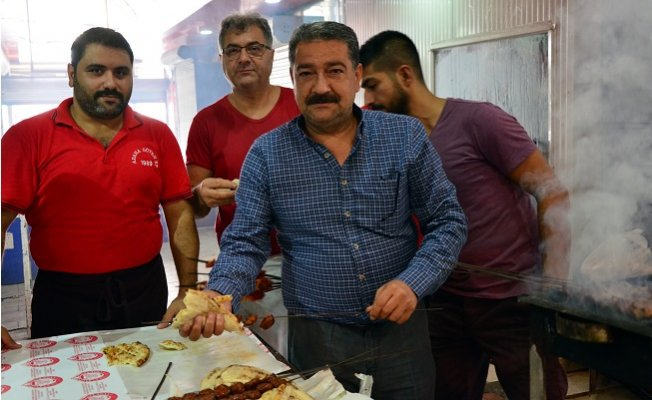 Adana'da Kasaplardan Şarbon Söylentilerine Mangallı Tepki
