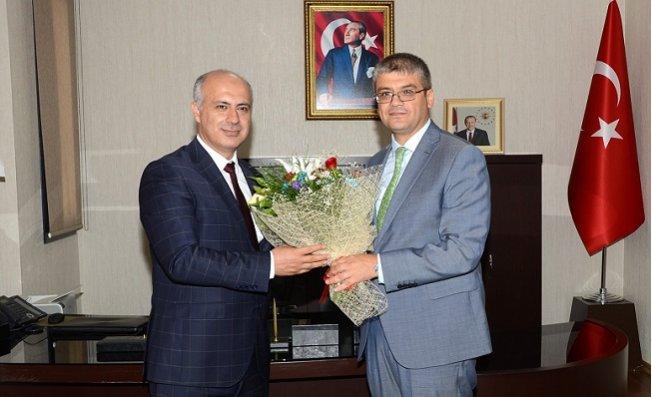 Tarsus Üniversitesi'nde Rektör Devir Teslim Töreni Yapıldı