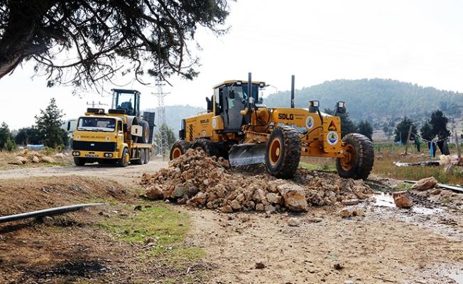 Erdemli'nin Çerçili Mahallesi İçme Suyu, Ulaşım Sorunu Çözüm Bekliyor