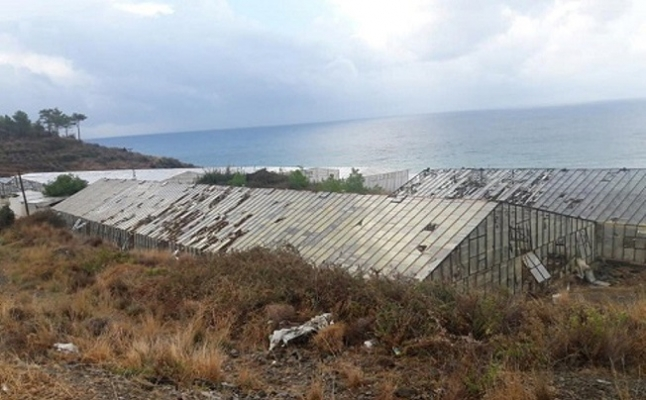 Mersin'de Seraları Hortum Vurdu